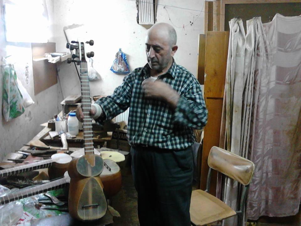 Tar maker in Baku