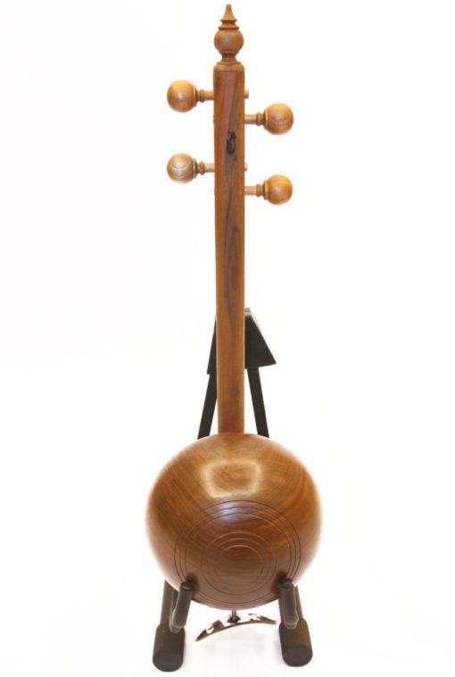 קמנצ'ה אזרי עץ אגוז