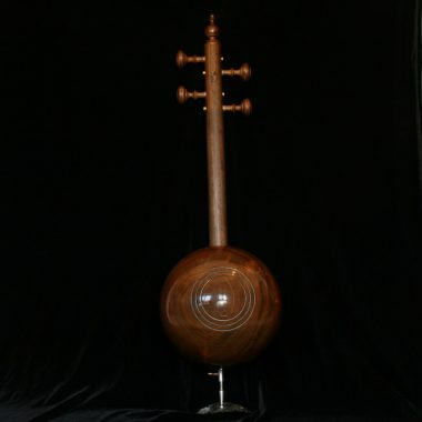 קמנצ'ה אזרית מקצועיץ מעץ תות